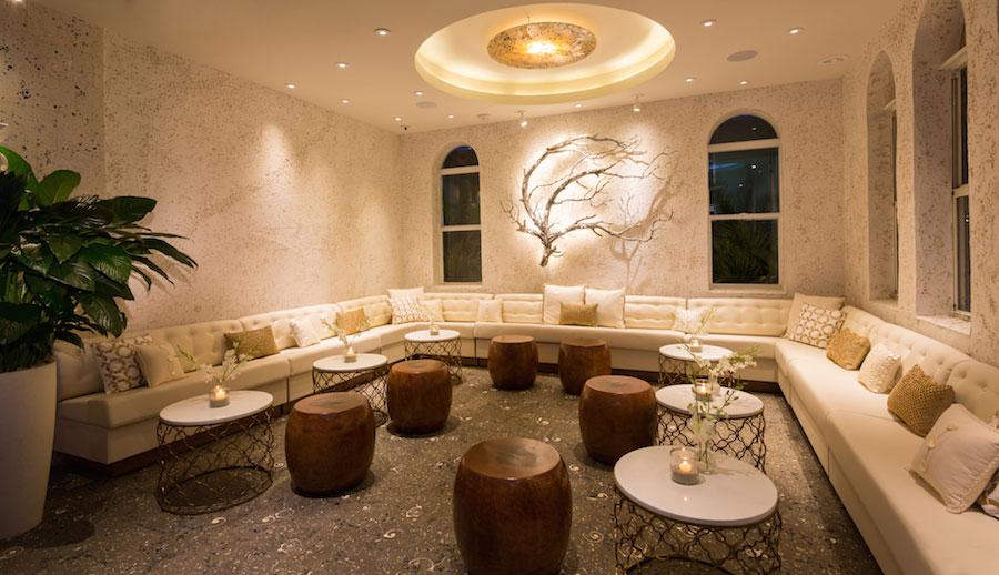 Larios-on-the-Beach-Lounge