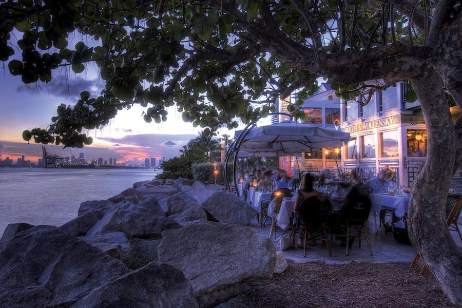 Miami-back-night